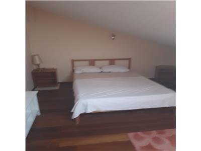 Mangalia apartament 3 camere in vila Rozelor malul Marii